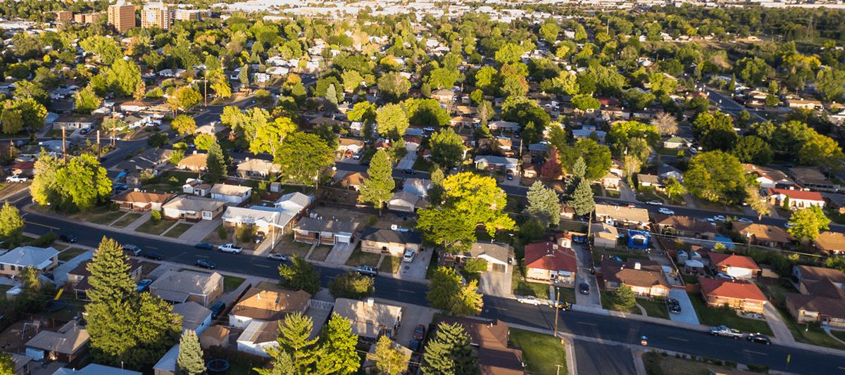 skyline of chicago neighborhood