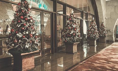 community association holiday decorations