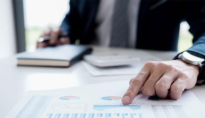 community association manager asessing organization budget