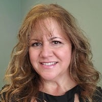 Karen Pontoriero headshot